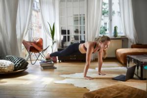 腕立て伏せができない女性必見な3つのポイントと腕や胸を鍛えられる5つの方法